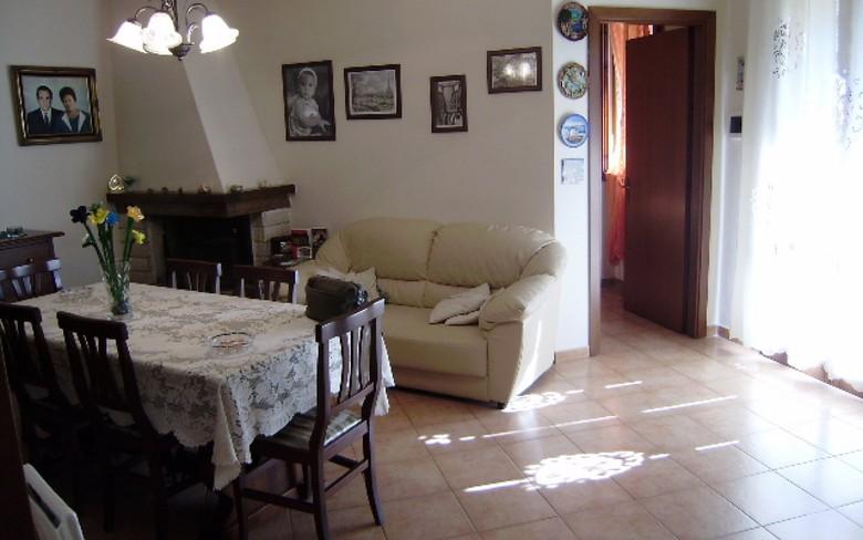 Appartamento in vendita a Foiano della Chiana, 4 locali, prezzo € 115.000 | PortaleAgenzieImmobiliari.it
