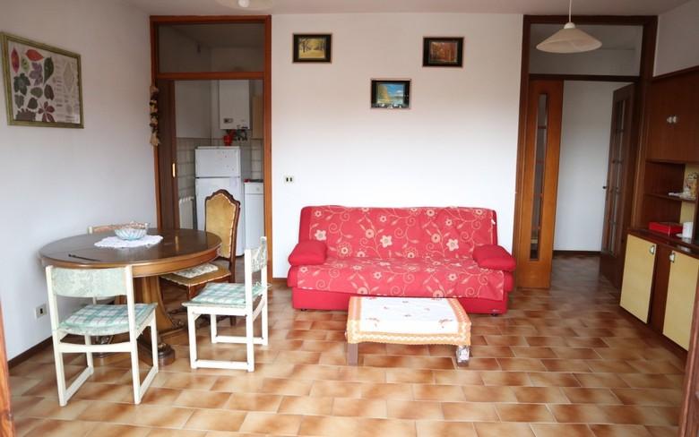 Appartamento in vendita a Marciano della Chiana, 4 locali, prezzo € 65.000   CambioCasa.it