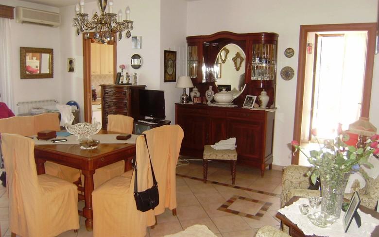Appartamento in ottime condizioni in vendita Rif. 4769756