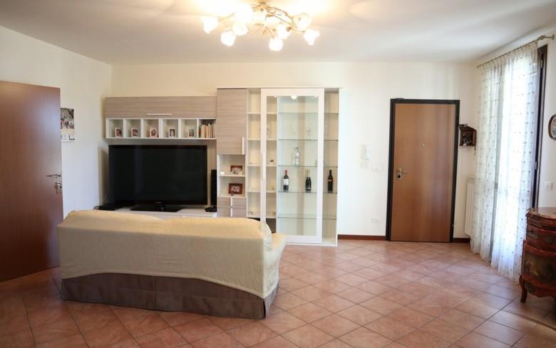 Appartamento in vendita a Foiano della Chiana, 4 locali, prezzo € 135.000 | PortaleAgenzieImmobiliari.it