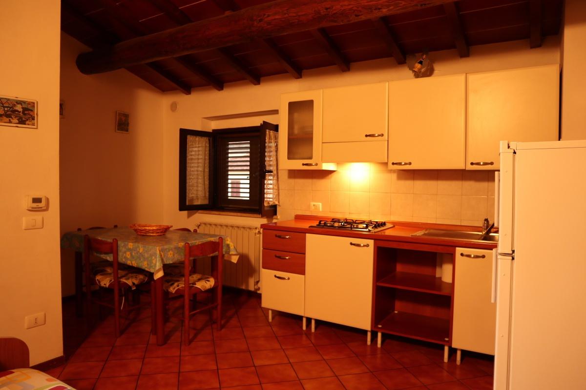 Appartamento ristrutturato arredato in affitto Rif. 8945033