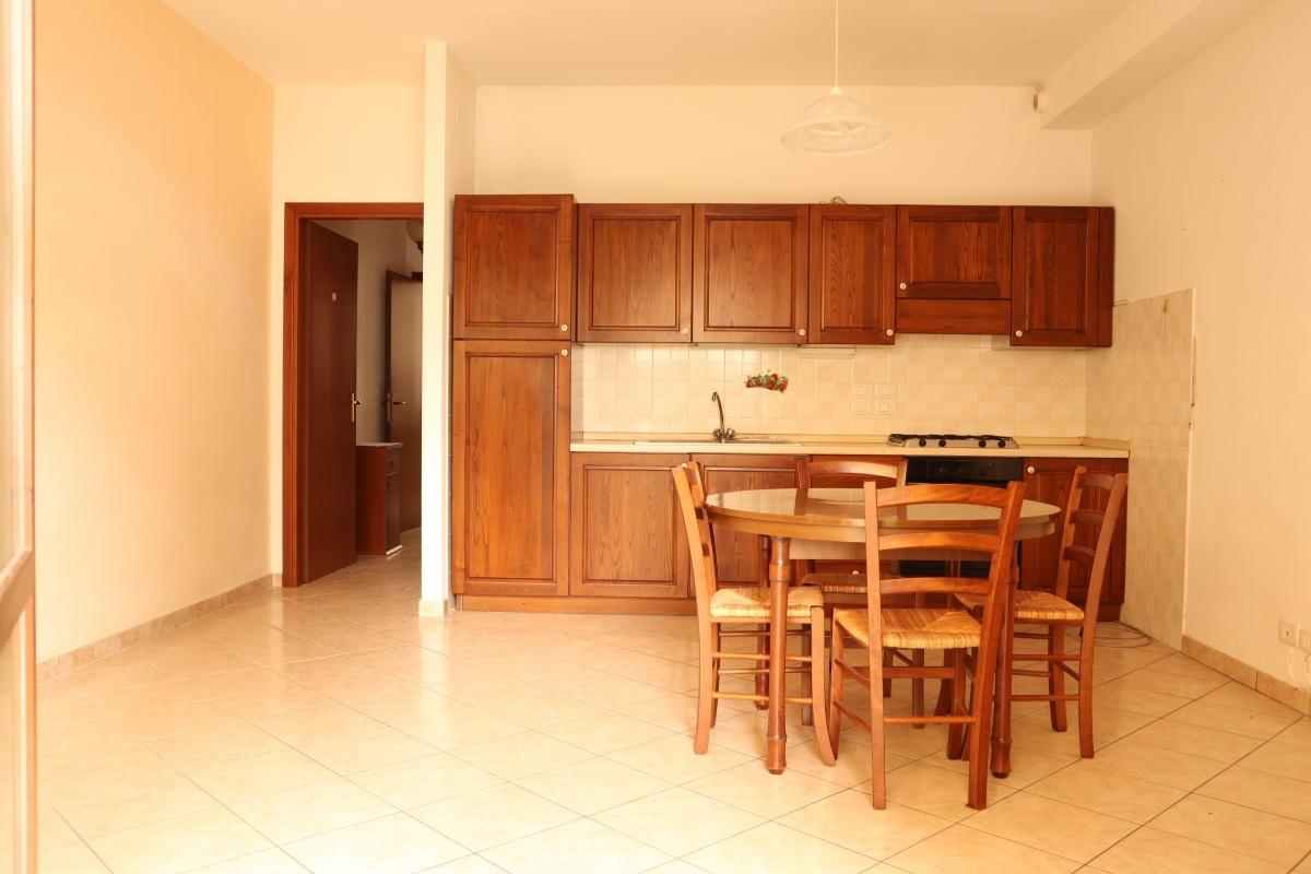 Appartamento in ottime condizioni arredato in affitto Rif. 9221923