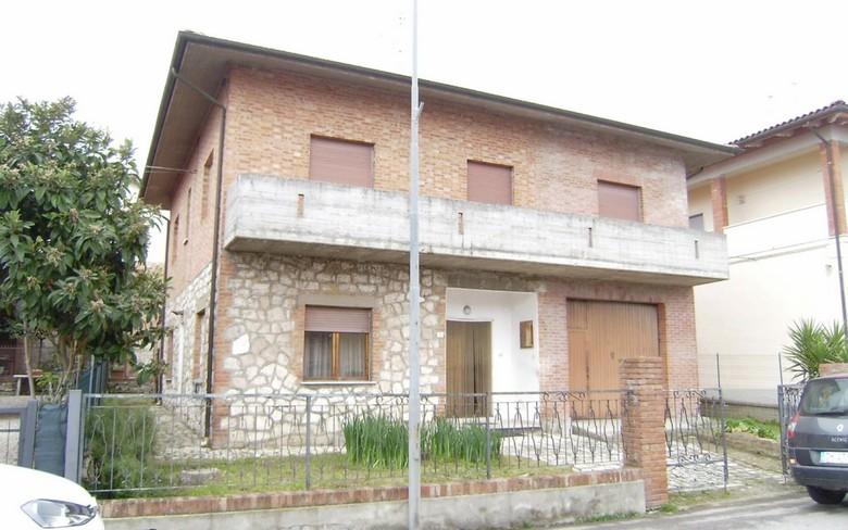Villa in vendita Rif. 10393329