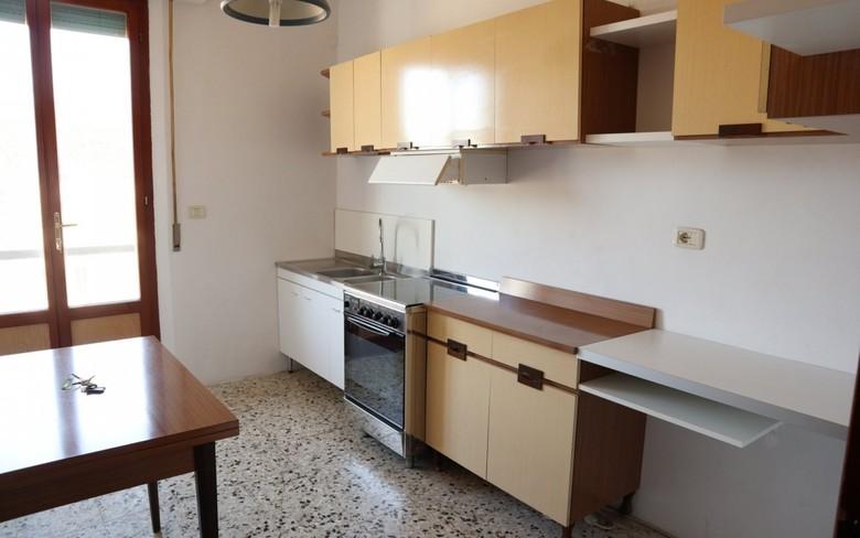 Appartamento in affitto a Foiano della Chiana, 4 locali, prezzo € 350 | CambioCasa.it