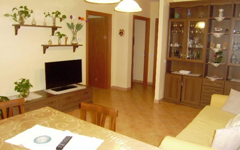 Appartamento in affitto a Foiano della Chiana, 4 locali, prezzo € 450 | CambioCasa.it