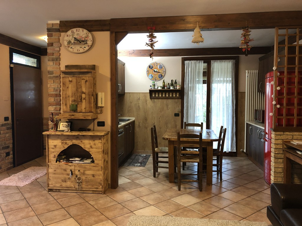 Villetta a schiera in ottime condizioni in vendita Rif. 10061640