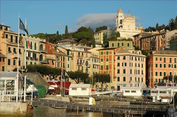 locale commerciale Liguria