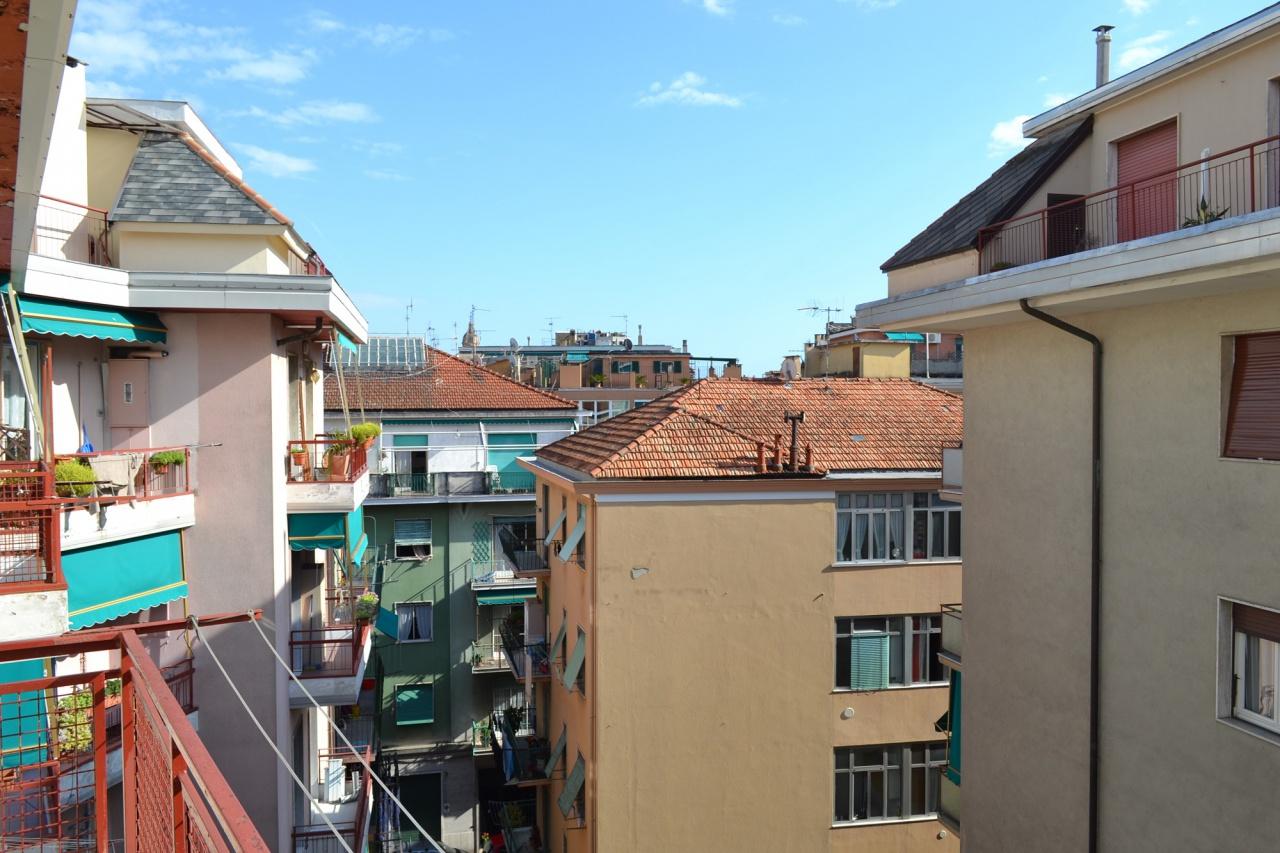 vendita appartamento rapallo semi centro  195000 euro  3 locali  95 mq