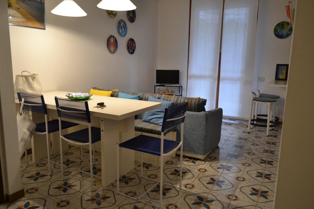 Appartamento in buone condizioni in affitto Rif. 9545145