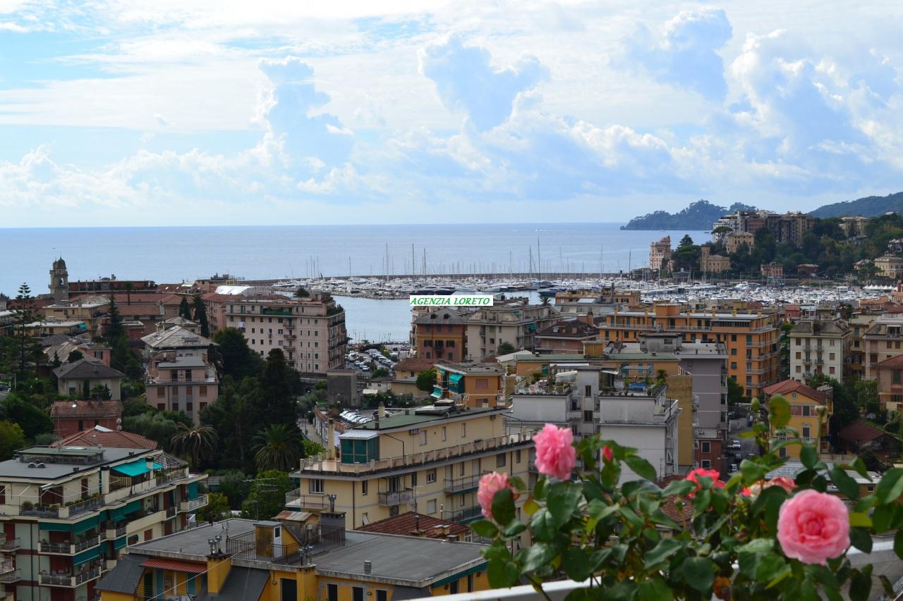 Attico / Mansarda in vendita a Rapallo, 4 locali, prezzo € 480.000 | PortaleAgenzieImmobiliari.it