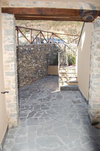 Appartamento in vendita a Garlenda, 3 locali, prezzo € 150.000   CambioCasa.it