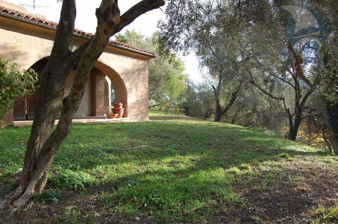Villa in vendita a Garlenda, 5 locali, prezzo € 700.000   CambioCasa.it