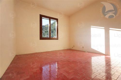 Appartamento in vendita a Casanova Lerrone, 3 locali, prezzo € 90.000   CambioCasa.it
