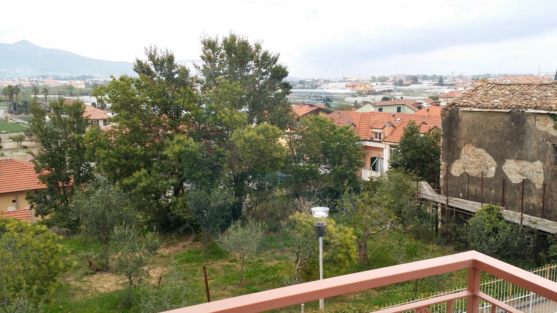 Bilocale Albenga Via Rusineo 1