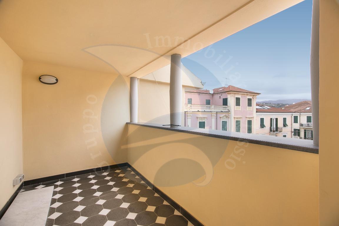 Appartamento in vendita a Diano Marina, 3 locali, prezzo € 420.000 | CambioCasa.it