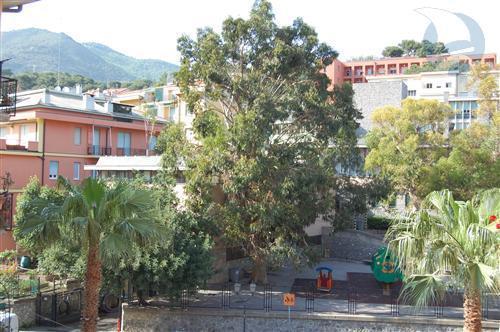 vendita appartamento alassio   280000 euro  3 locali  80 mq
