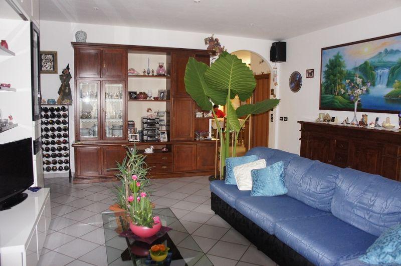 Appartamento in ottime condizioni in vendita Rif. 9577812