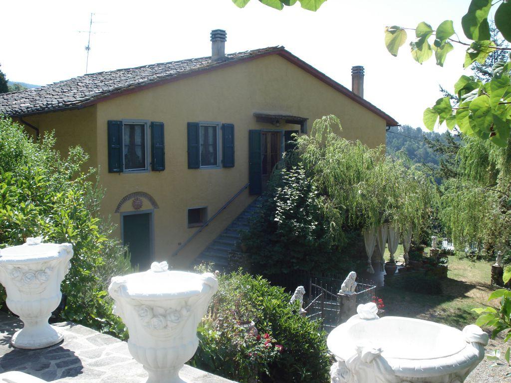 Villa in vendita a Vaglia, 18 locali, Trattative riservate   CambioCasa.it