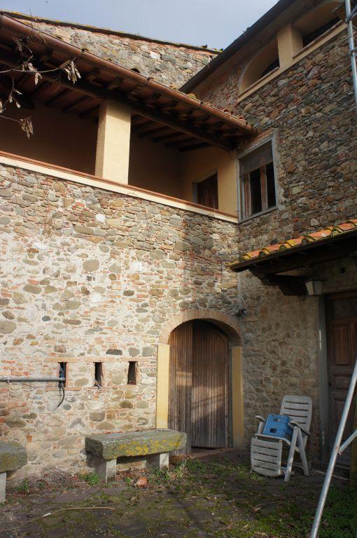 Rustico / Casale in vendita a Barberino di Mugello, 9 locali, prezzo € 310.000 | CambioCasa.it