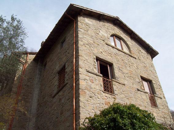 Rustico / Casale in vendita a Pelago, 8 locali, zona Località: GENERICA, prezzo € 220.000 | Cambio Casa.it