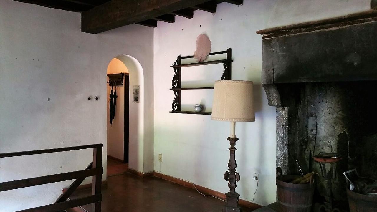 Rustico / Casale in vendita a Pelago, 8 locali, prezzo € 220.000 | CambioCasa.it