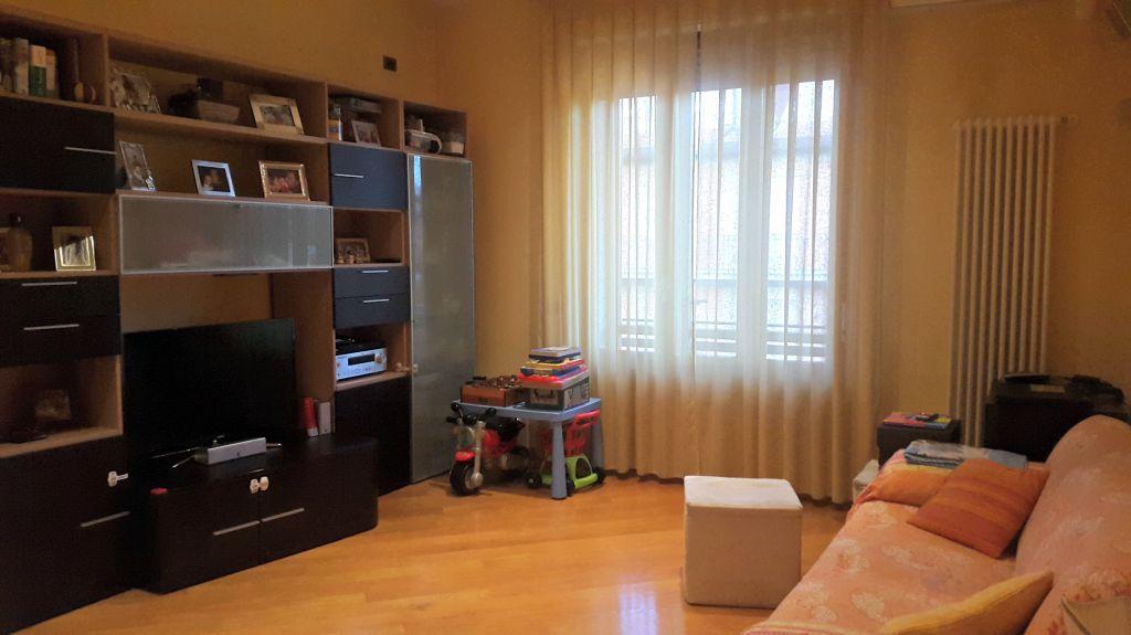 Appartamento in vendita a Barberino di Mugello, 4 locali, prezzo € 169.000   Cambio Casa.it