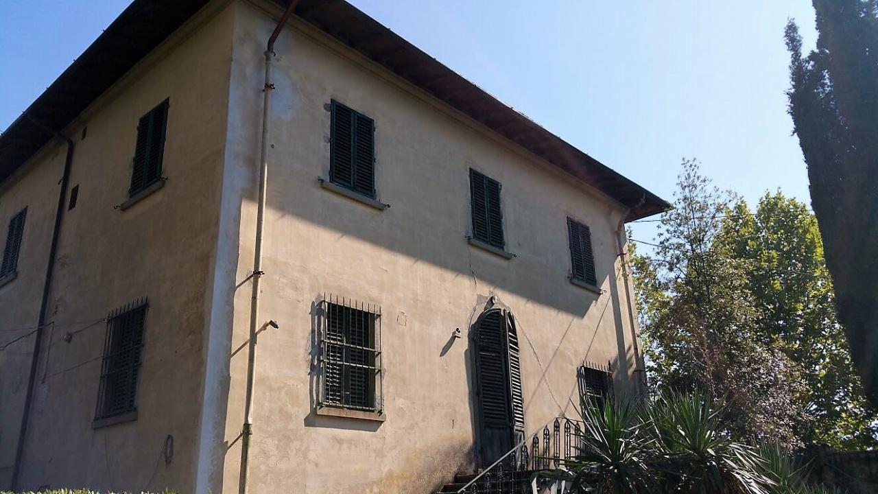 Villa in vendita a Pontassieve, 11 locali, prezzo € 550.000   CambioCasa.it