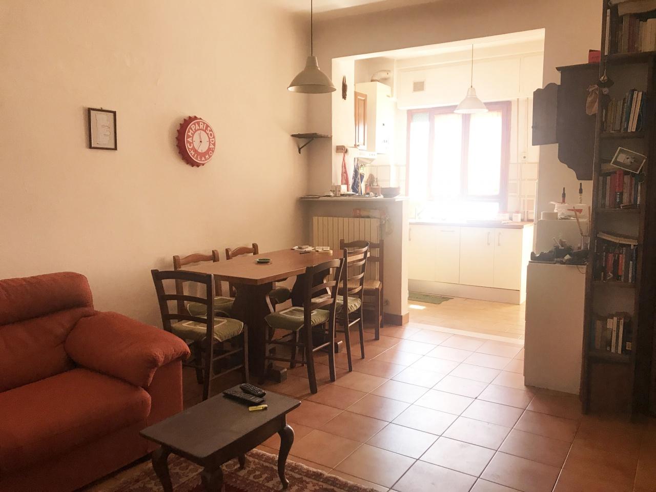 Appartamento in buone condizioni in vendita Rif. 10393332
