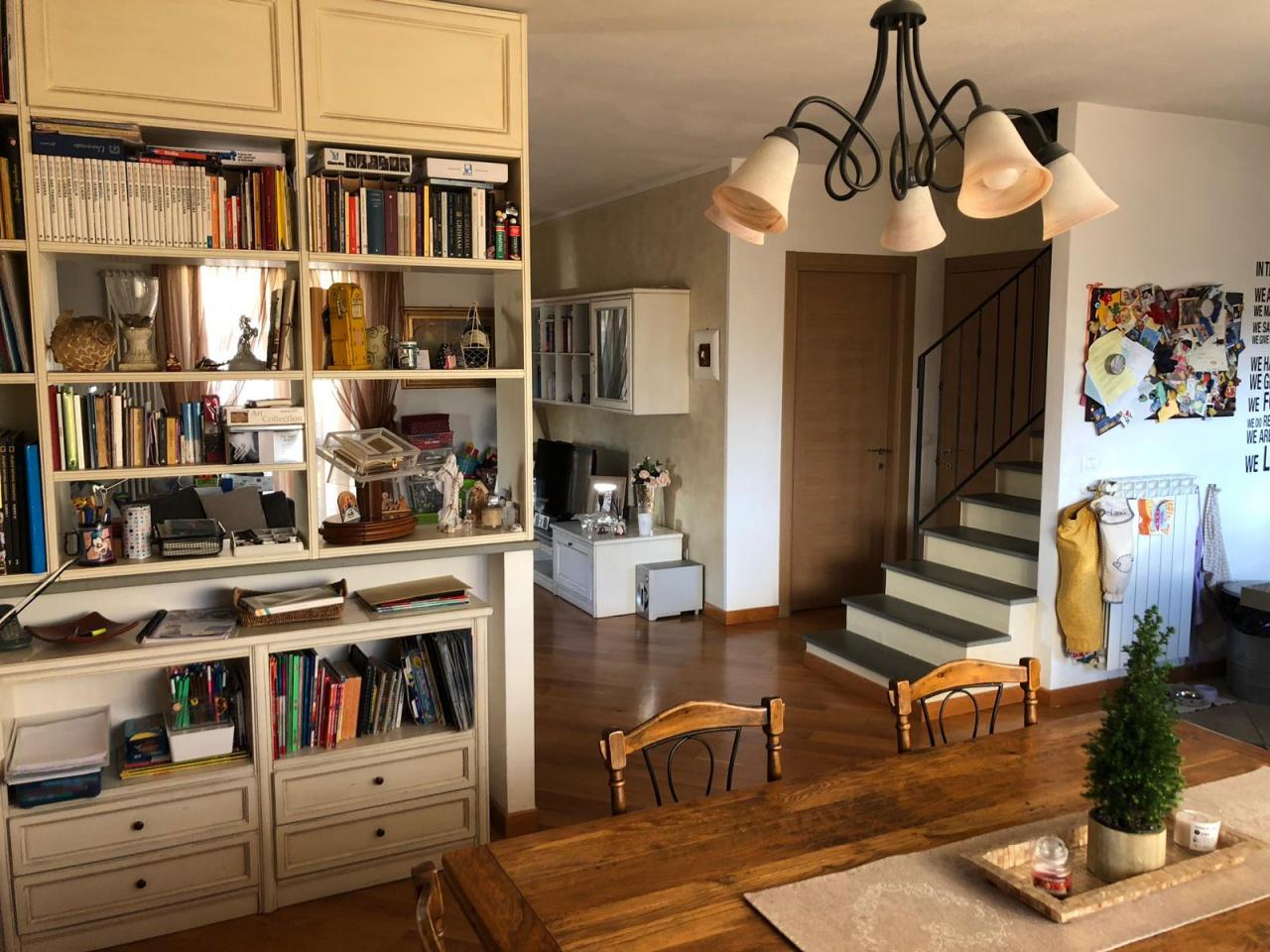 Appartamento in ottime condizioni in vendita Rif. 9577928