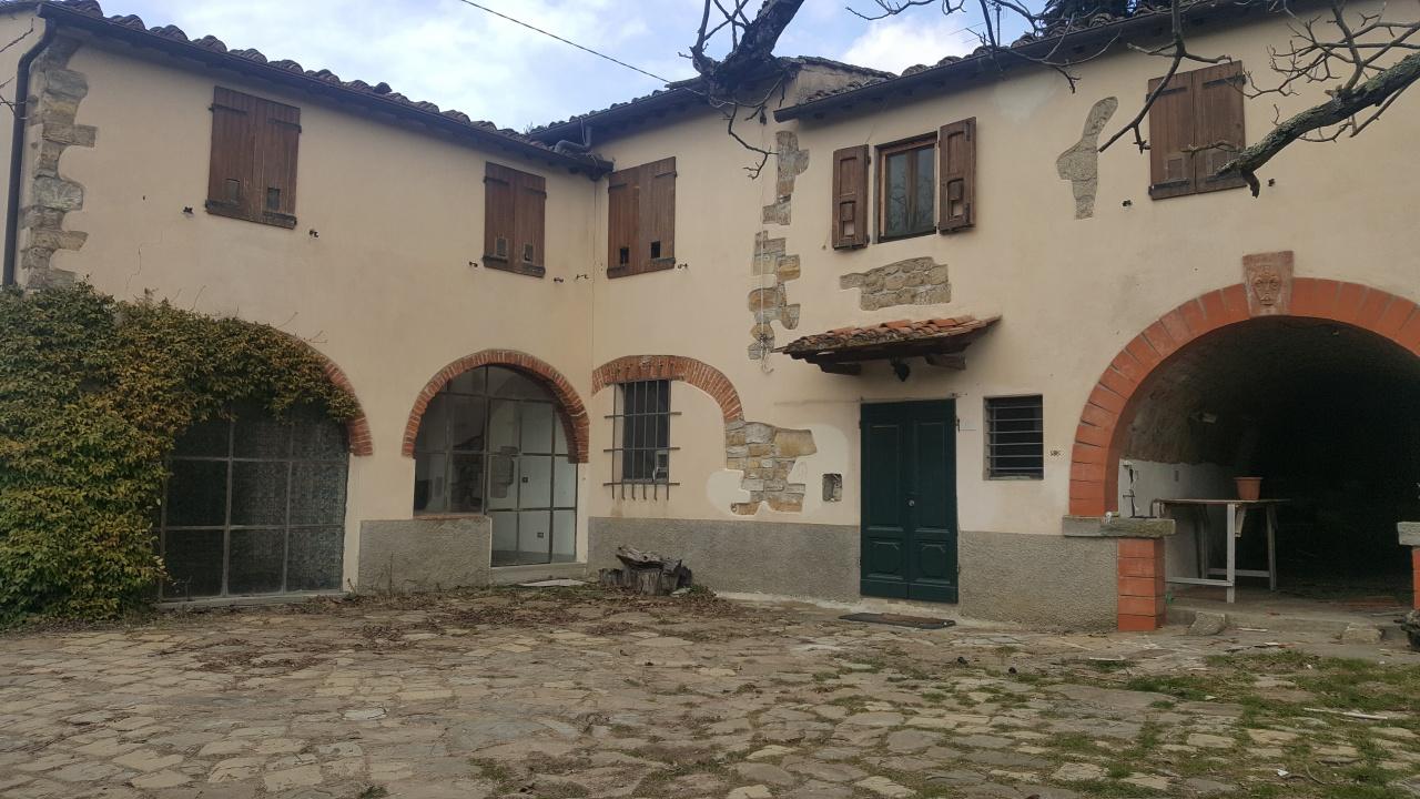 Casa Indipendente in discrete condizioni in vendita Rif. 9659600