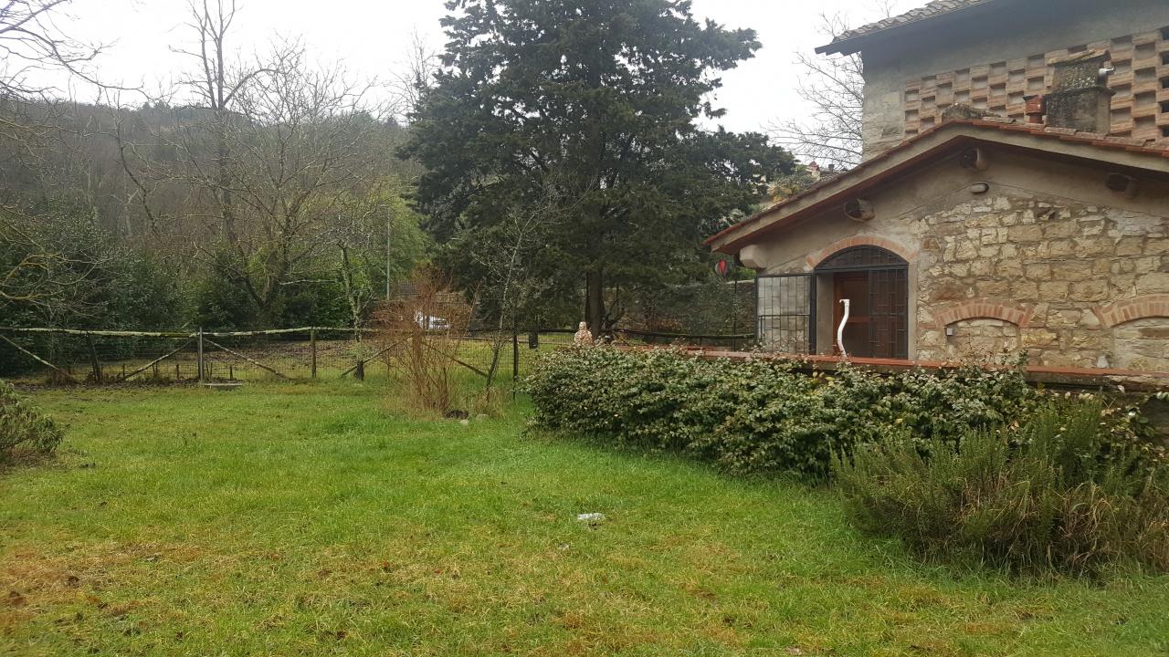 Rustico / Casale in buone condizioni in vendita Rif. 11051683