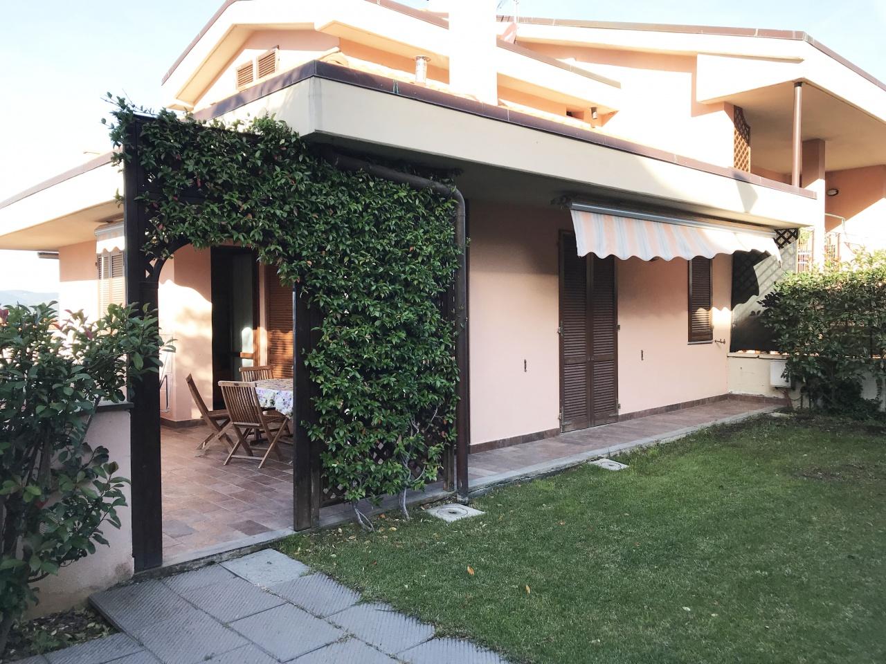 Appartamento in ottime condizioni arredato in affitto Rif. 9700672