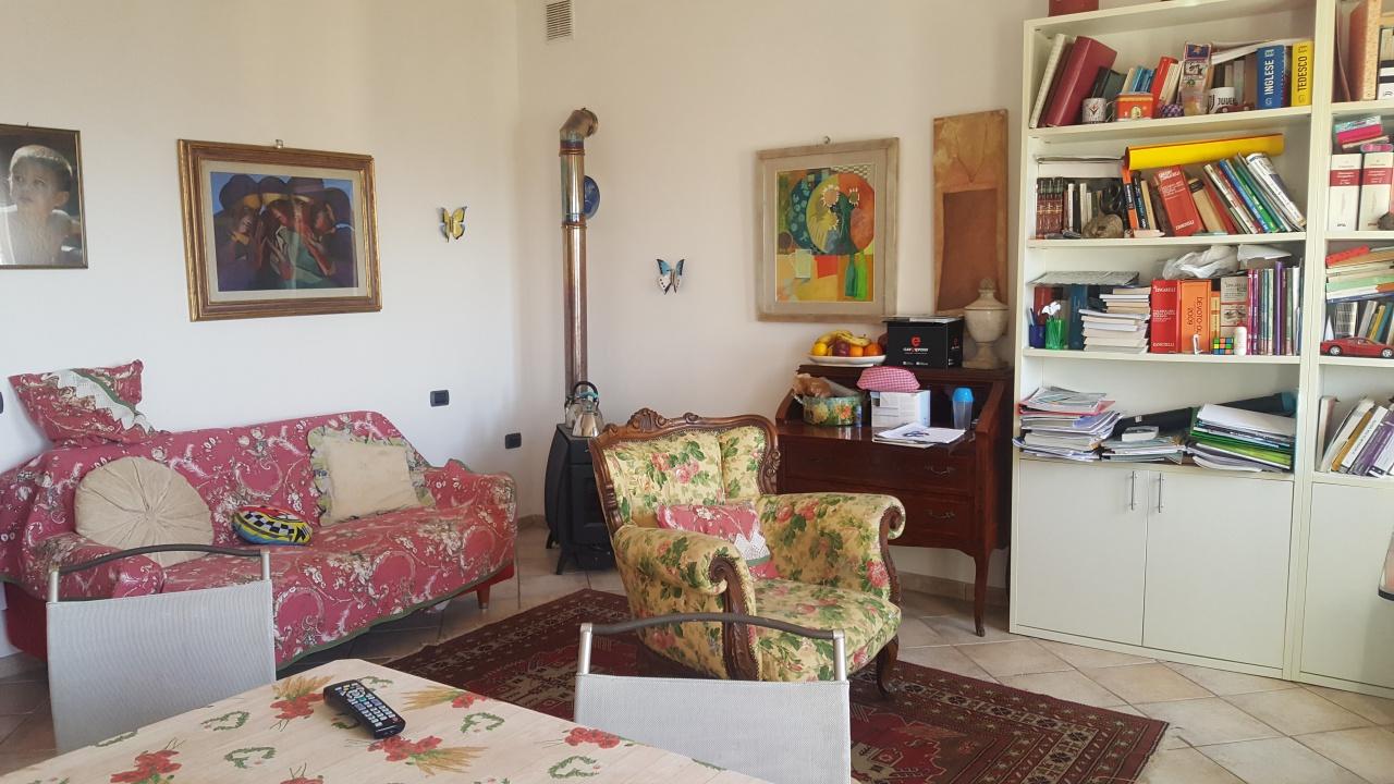 Appartamento in ottime condizioni in vendita Rif. 9876659