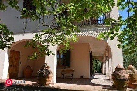 Villa da ristrutturare in vendita Rif. 9997183