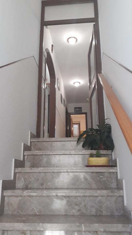 Appartamento in buone condizioni in vendita Rif. 10176436