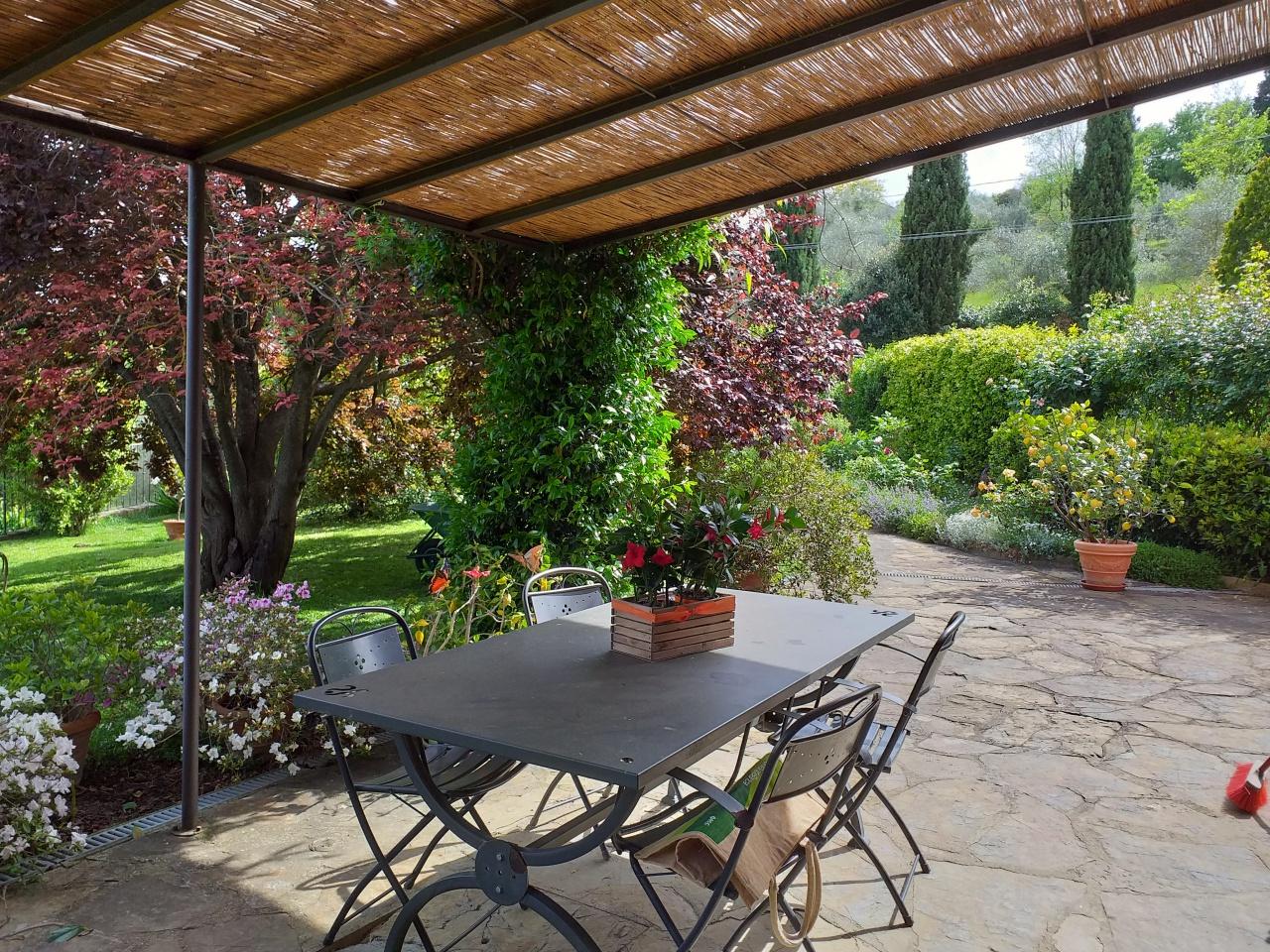 Casa Indipendente in ottime condizioni in vendita Rif. 10261018