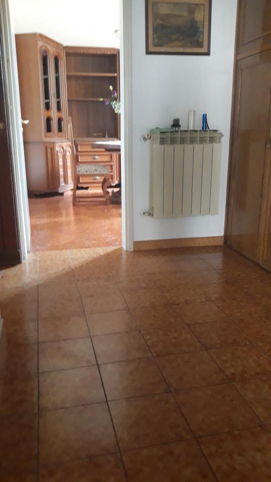 Appartamento in buone condizioni in vendita Rif. 10261019