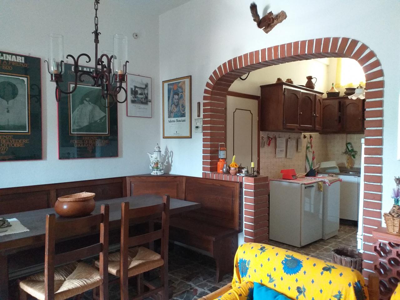 Appartamento da ristrutturare arredato in vendita Rif. 10457931