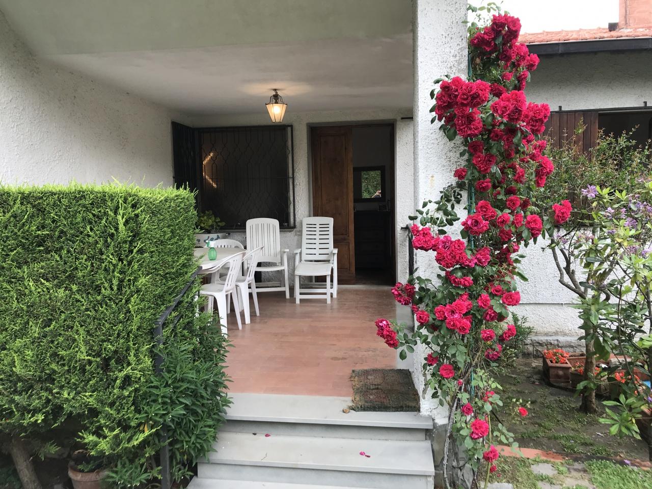 Appartamento in buone condizioni in vendita Rif. 10490158