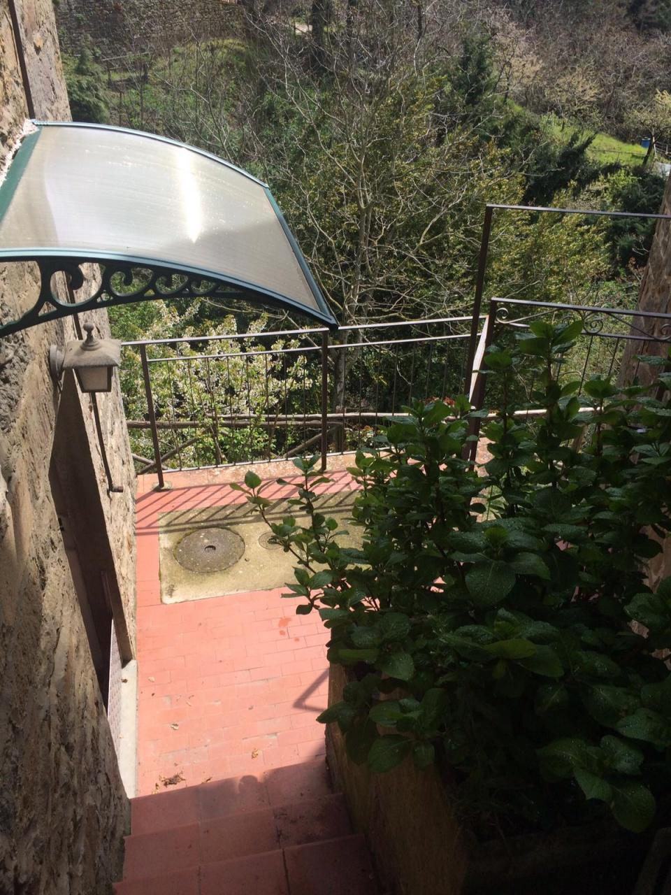 Casa Indipendente in buone condizioni in vendita Rif. 10630245