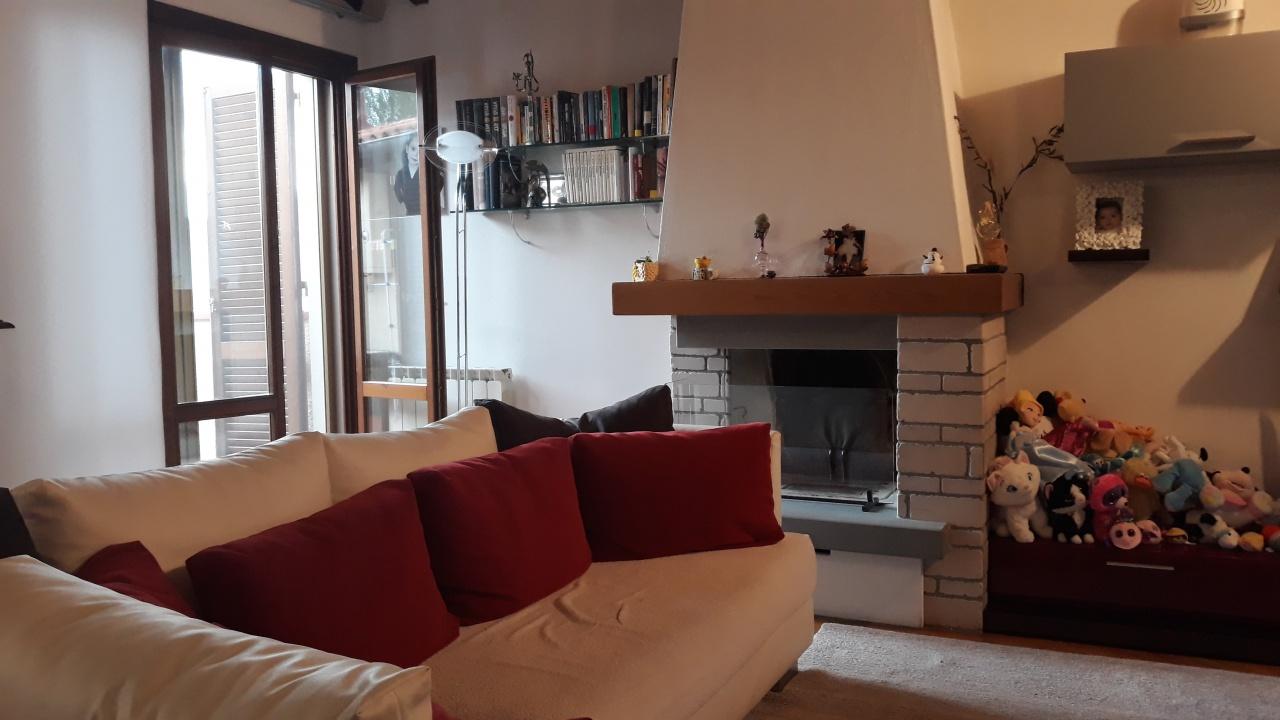 Appartamento in vendita a Rufina, 3 locali, prezzo € 169.000 | CambioCasa.it