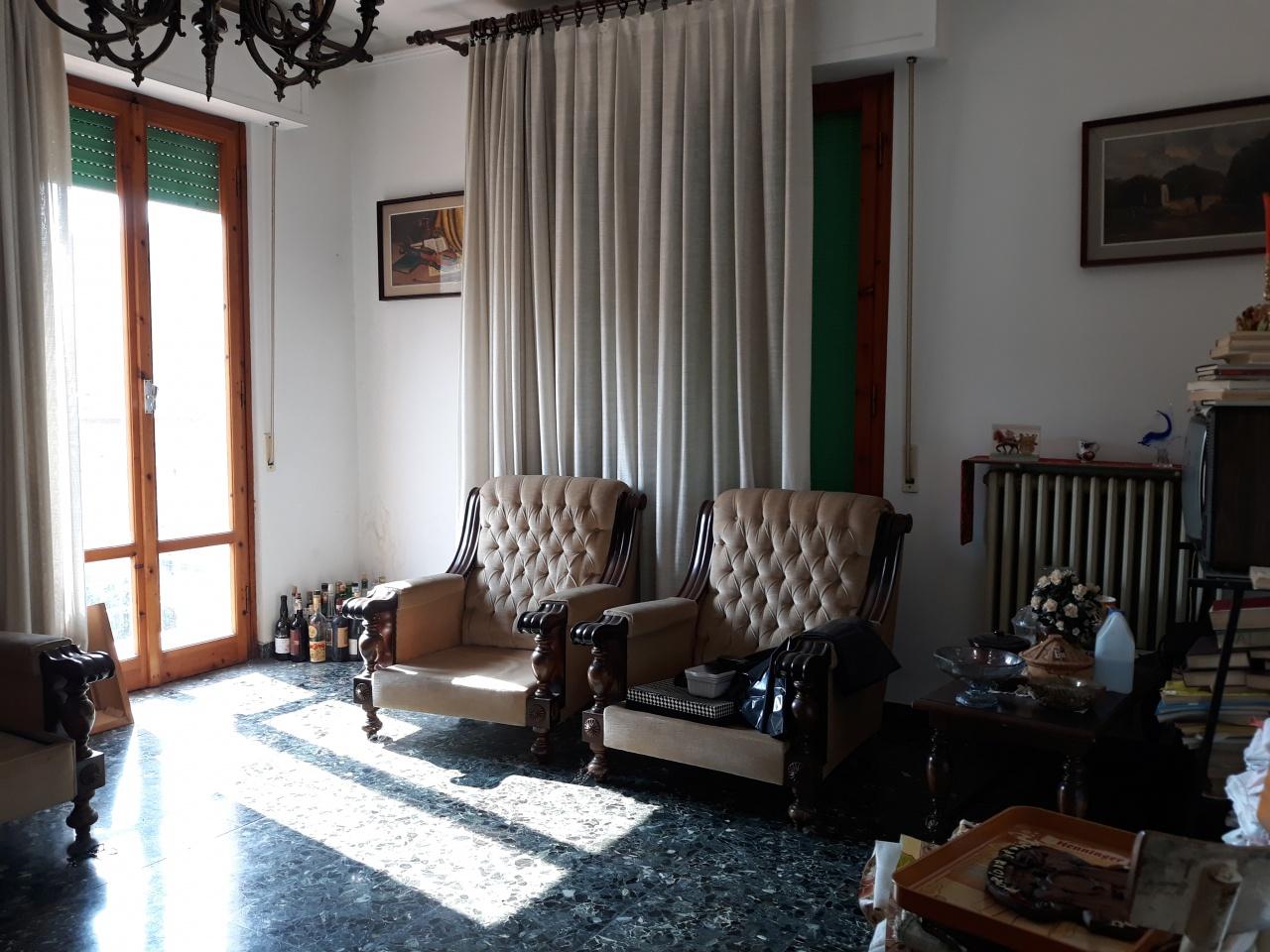 Appartamento da ristrutturare in vendita Rif. 11002065