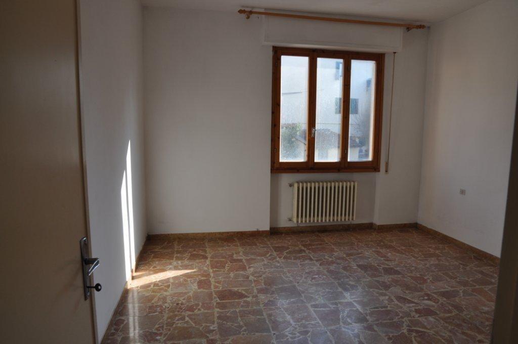 Appartamento in buone condizioni in vendita Rif. 11058800