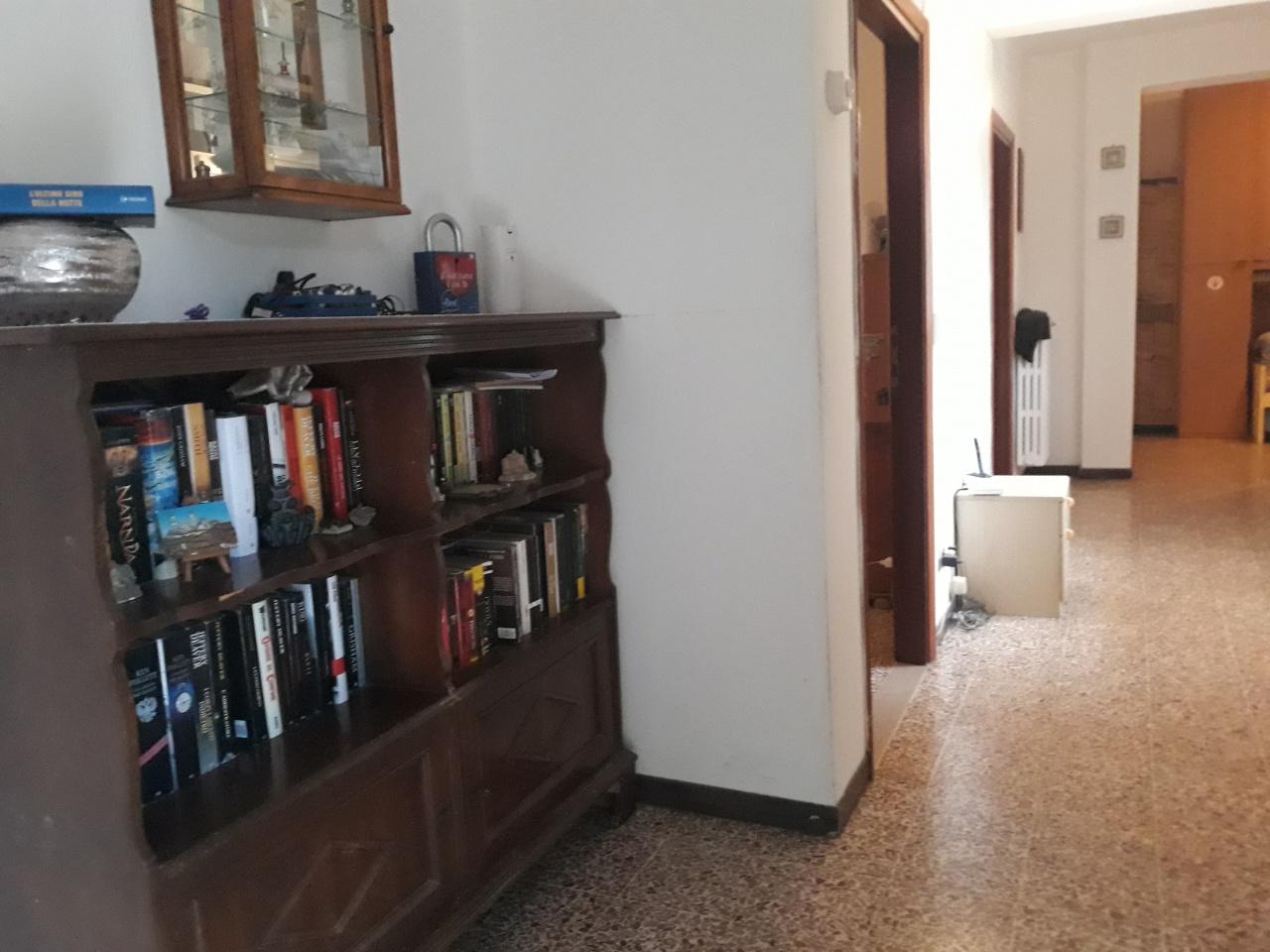 Appartamento da ristrutturare in vendita Rif. 11092142