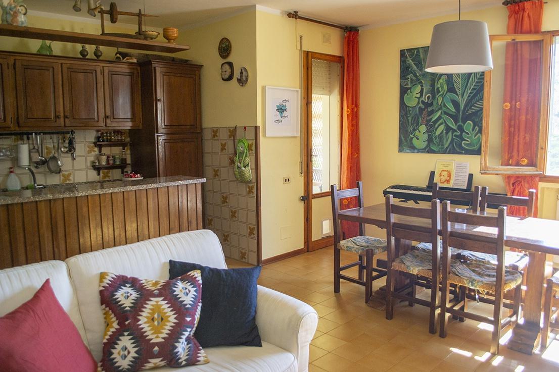 Appartamento in buone condizioni in vendita Rif. 11236448