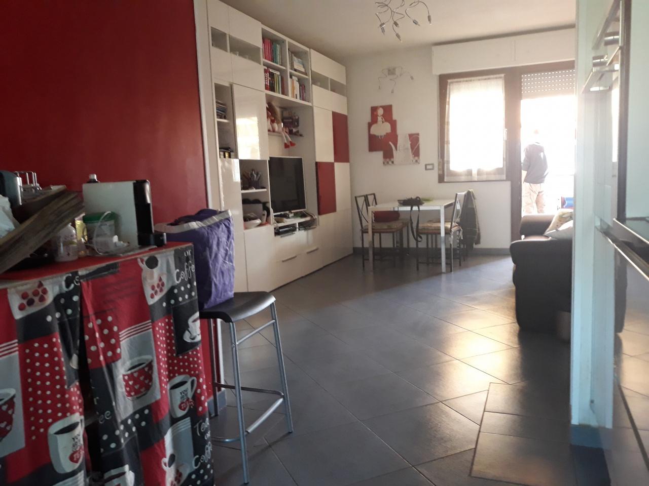 Appartamento in ottime condizioni in vendita Rif. 11359123