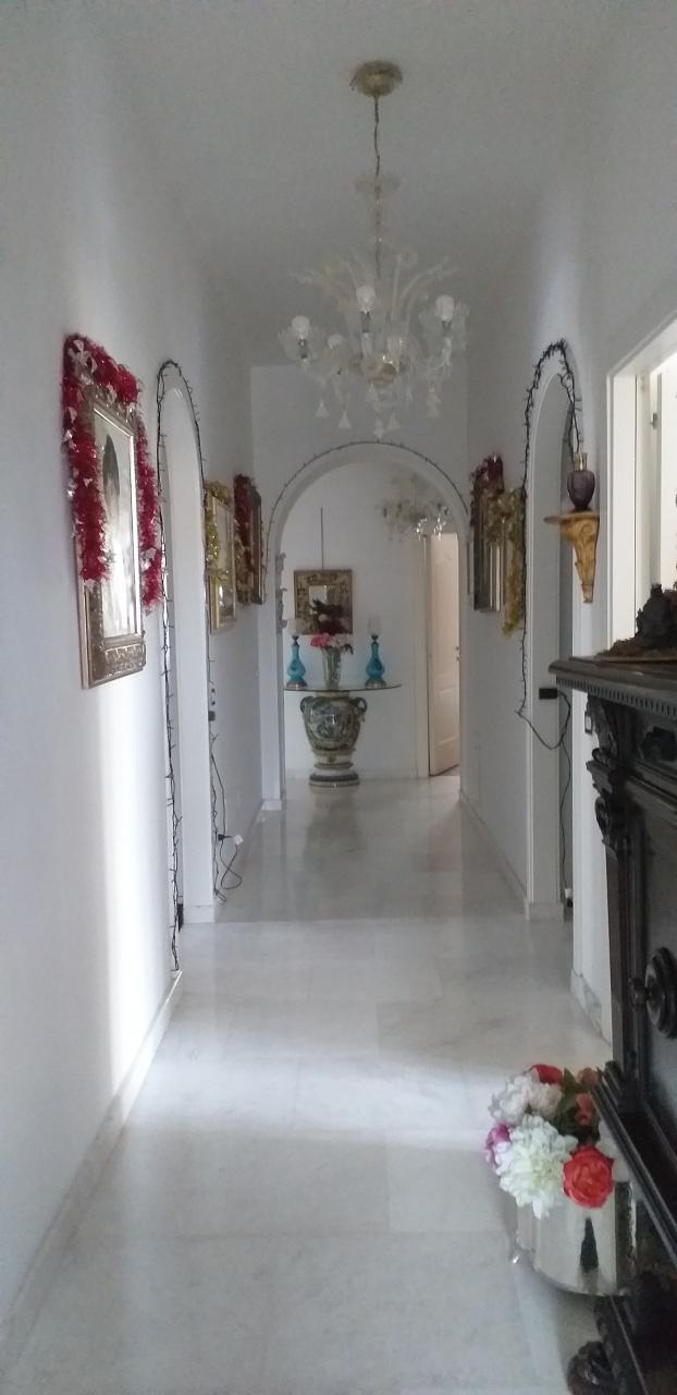 Appartamento in ottime condizioni in vendita Rif. 11701438