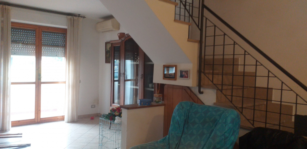 Appartamento in buone condizioni in vendita Rif. 11764462