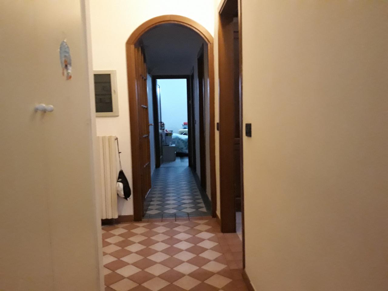 Appartamento in buone condizioni in vendita Rif. 11938114