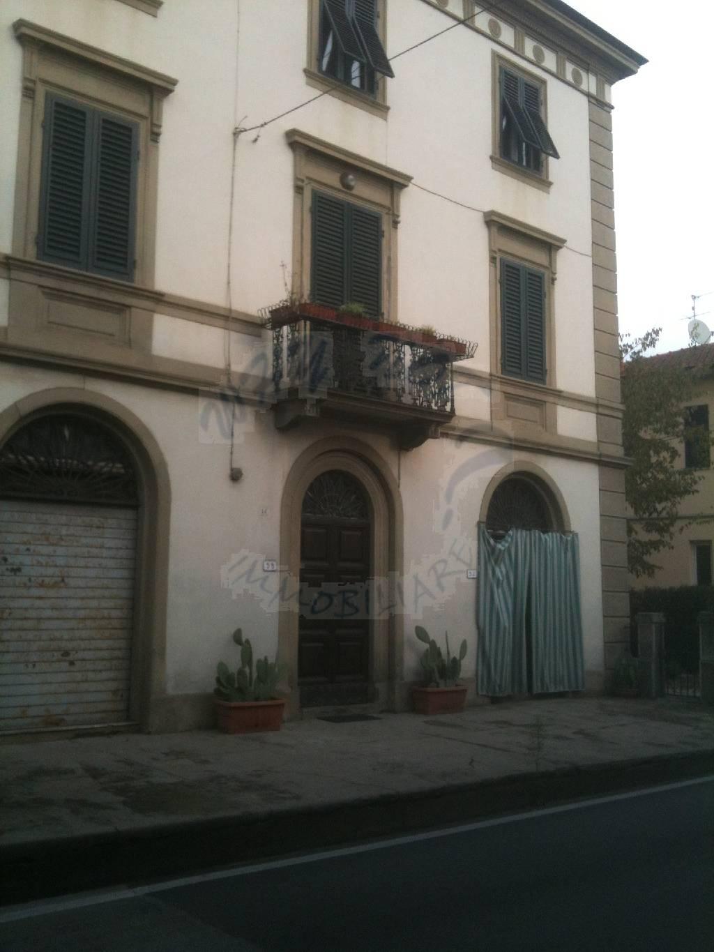 Palazzo / Stabile in vendita a Lucca, 12 locali, zona Località: MONTE SAN QUIRICO, prezzo € 650.000 | Cambio Casa.it